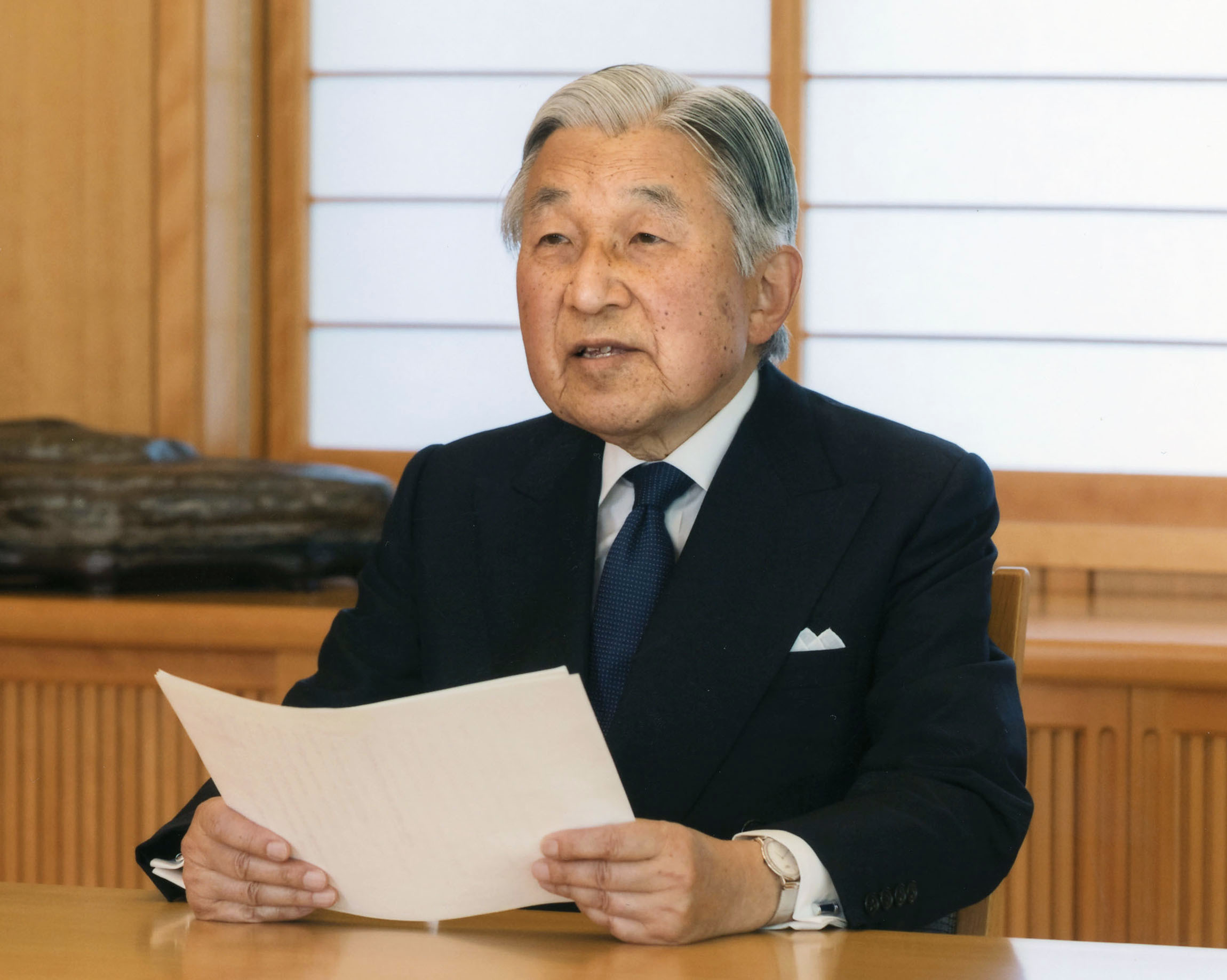 Japan gov't OKs bill to allow 1st abdication of emperor in 200 yrs