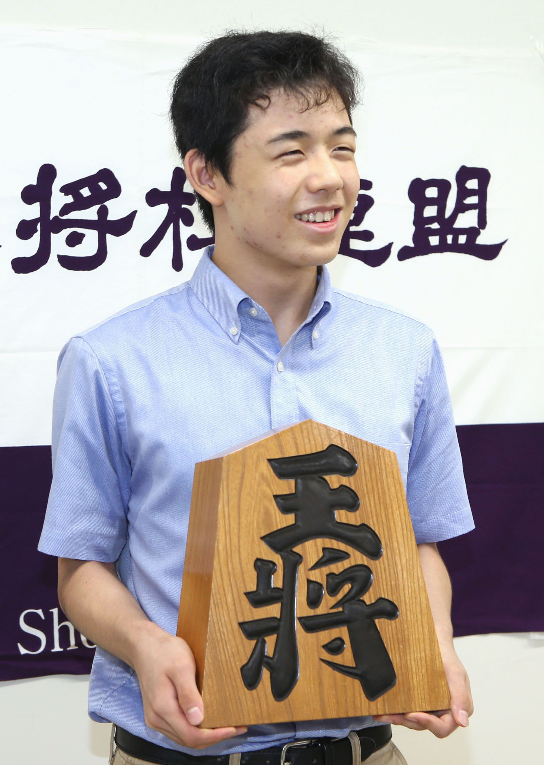 14-yr-old shogi star Fujii known for fiery competitive spirit