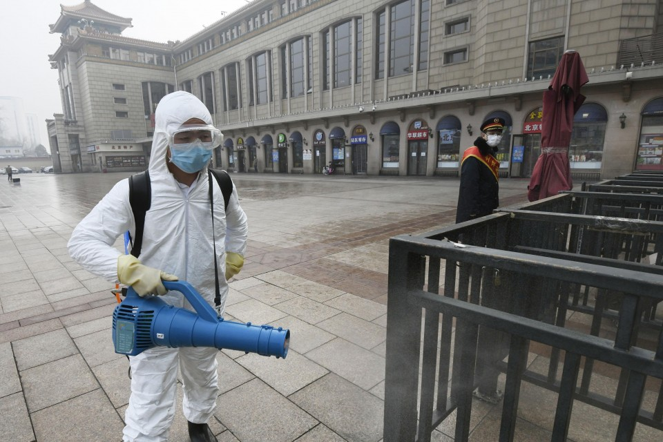 Coronavirus: Senior Chinese officials 'removed' as death toll rises