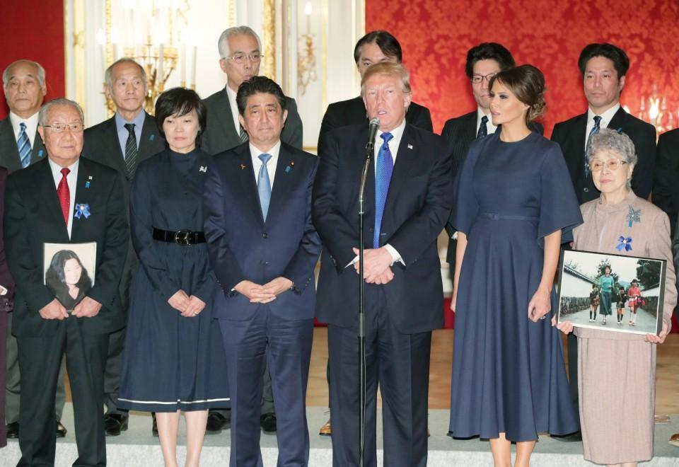 Japan signs Metro Manila subway deal during Abe's PH visit