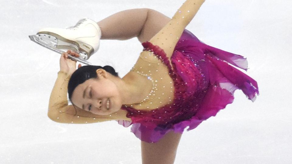Figure skating: Mihara edges Kihira for lead in women's SP