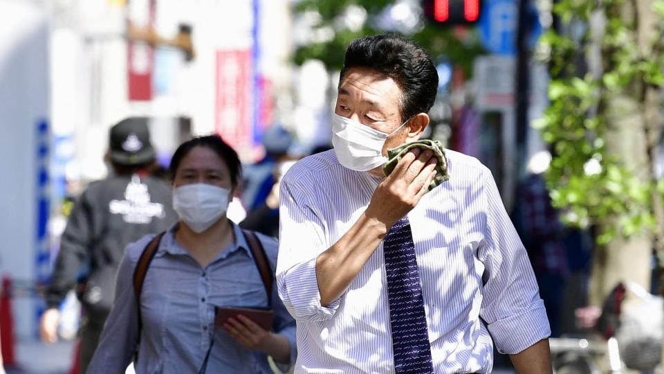 trouble-breathing-wearing-mask-