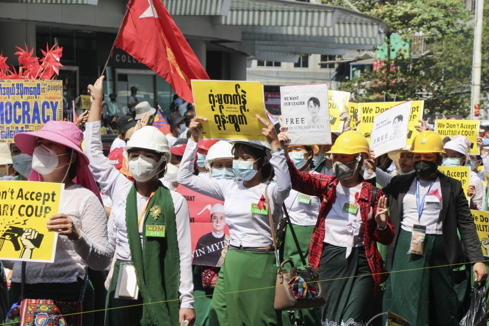 20-year-old protester shot in head in Myanmar dies in hospital