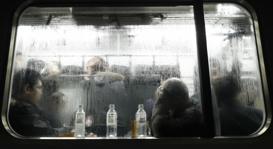 Passengers Stranded Overnight on Niigata-bound Train After Heavy Snowfall