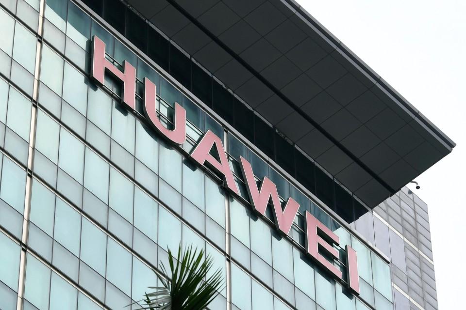 Japanese Mobile Carriers Postpone Sales Of New Huawei