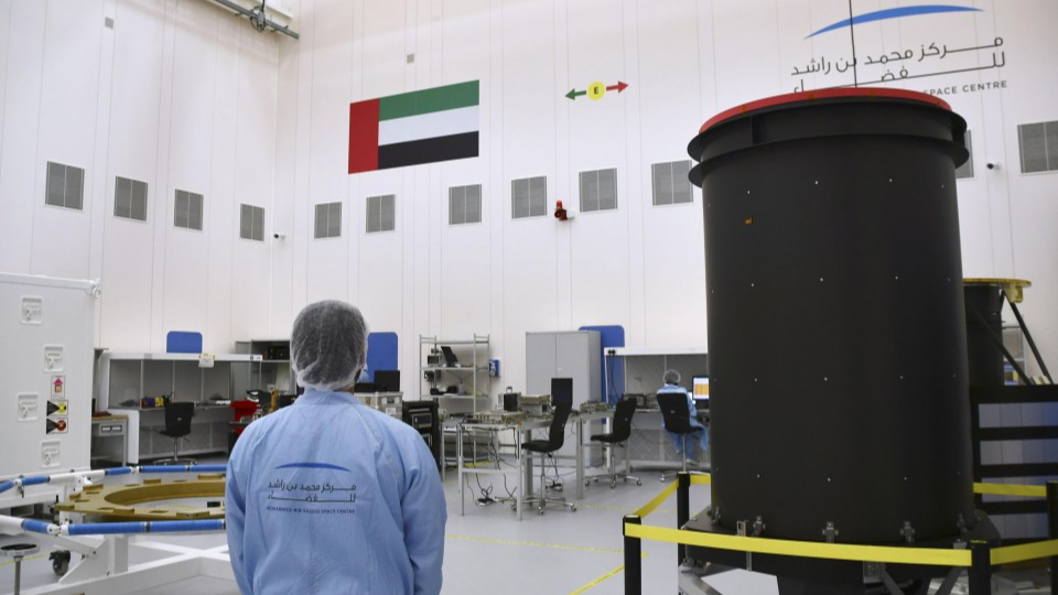 - cropped image l - UAE, oil-producing Arab countries turn to space development