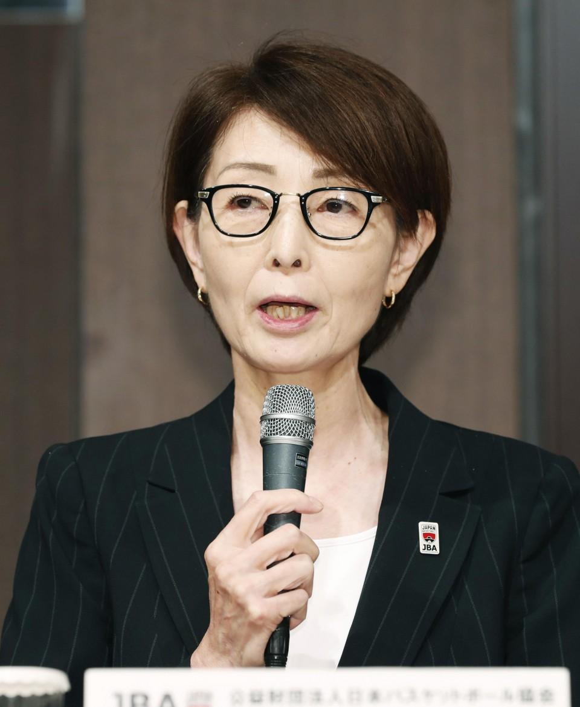 (Yuko Mitsuya, head of the Japan Basketball Association, meets the press)