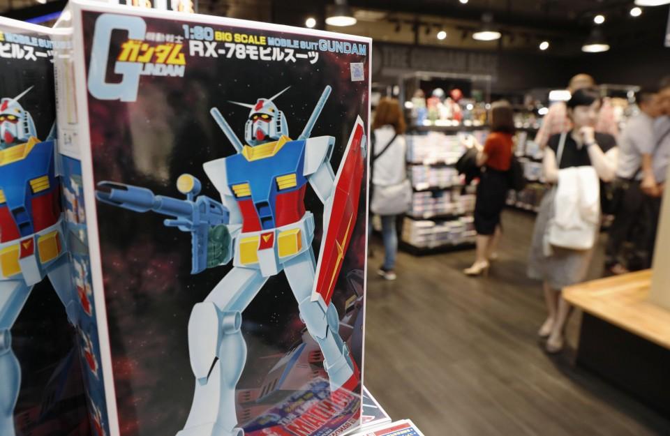 New Gundam plastic model shop opens in Tokyo