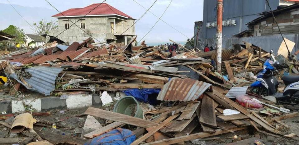 Image result for Indonesia quake-tsunami death toll rises to 384