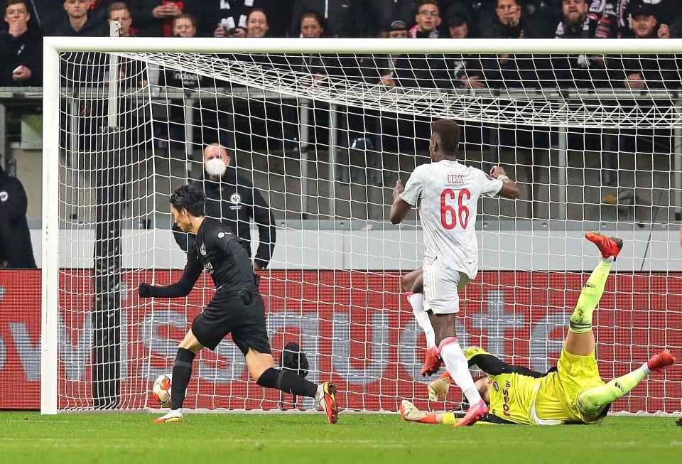 Football: Kamada nets 1st goal of season for Eintracht in Europa League - Kyodo News Plus
