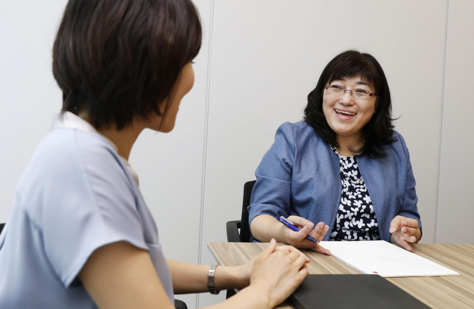 Japanese women in managerial posts seek outside advice amid lack of role models photo