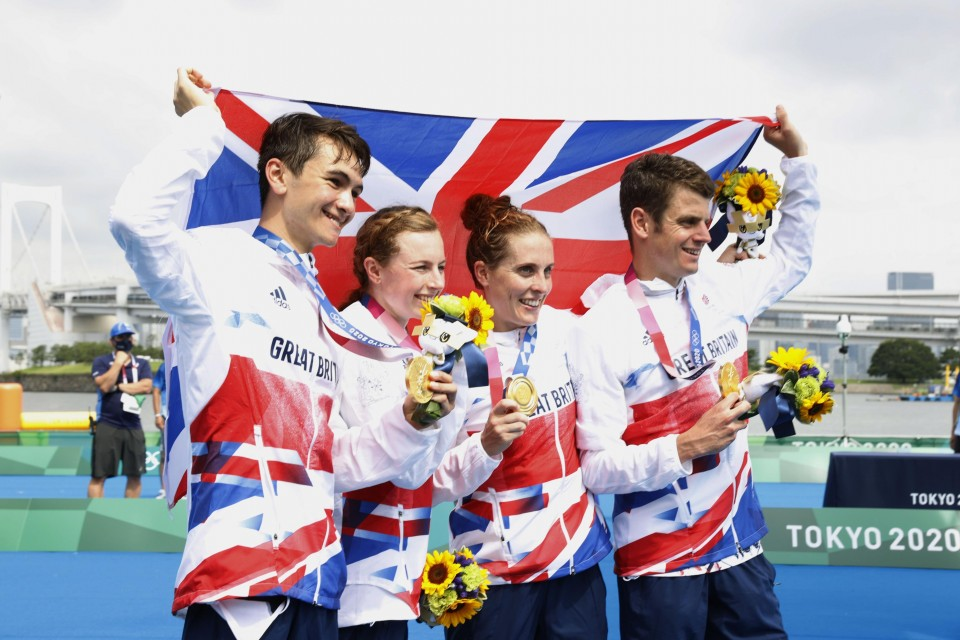 Britain wins, Japan 13th in triathlon mixed relay debut