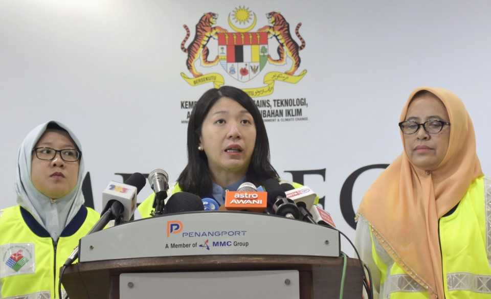 France agrees to take back 43 illegal waste containers from Malaysia