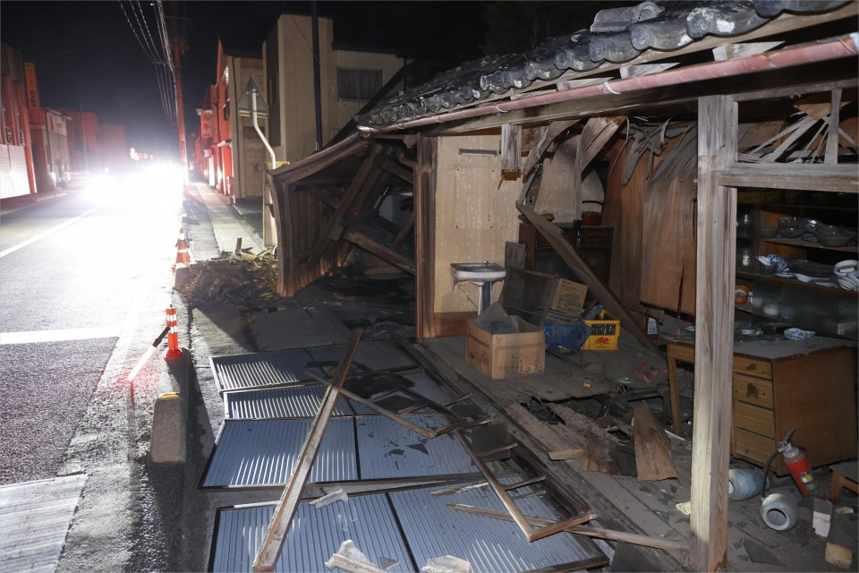 M7.1 earthquake strikes off Fukushima, Japan
