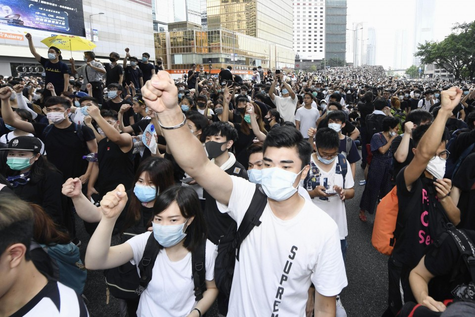 Hong Kong leader suspends extradition bill vote after protests