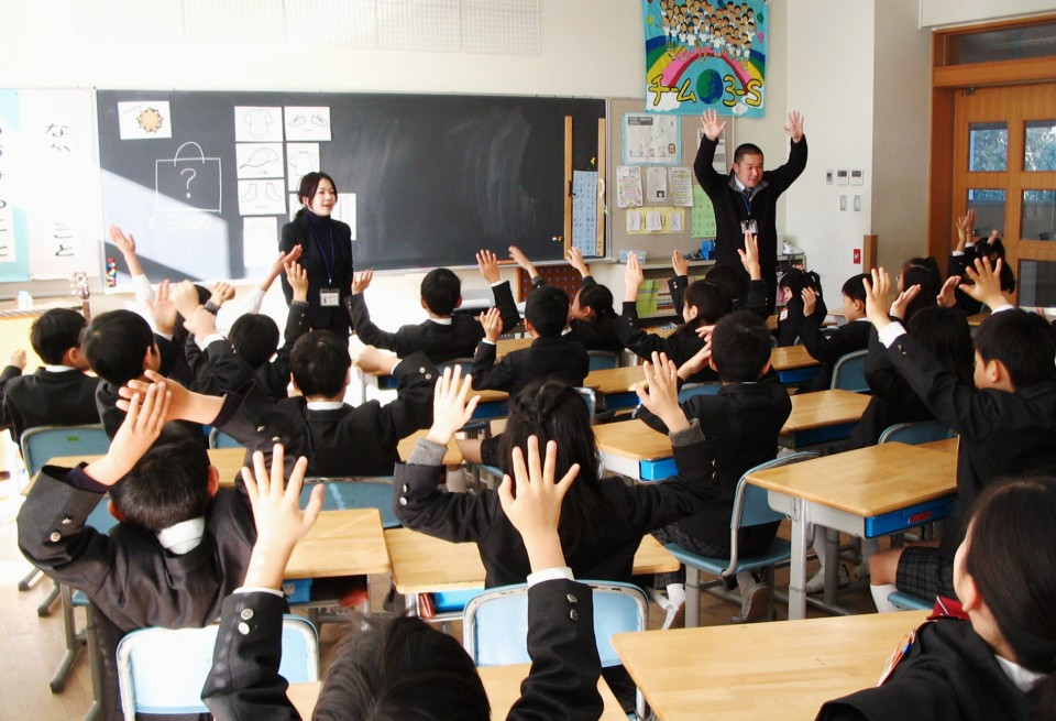 Native speakers in demand as Japanese schools step up
