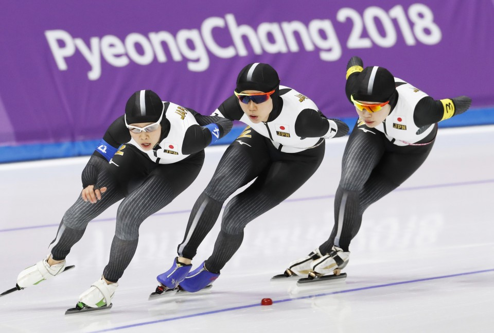 Japan wins gold in women's team pursuit skating