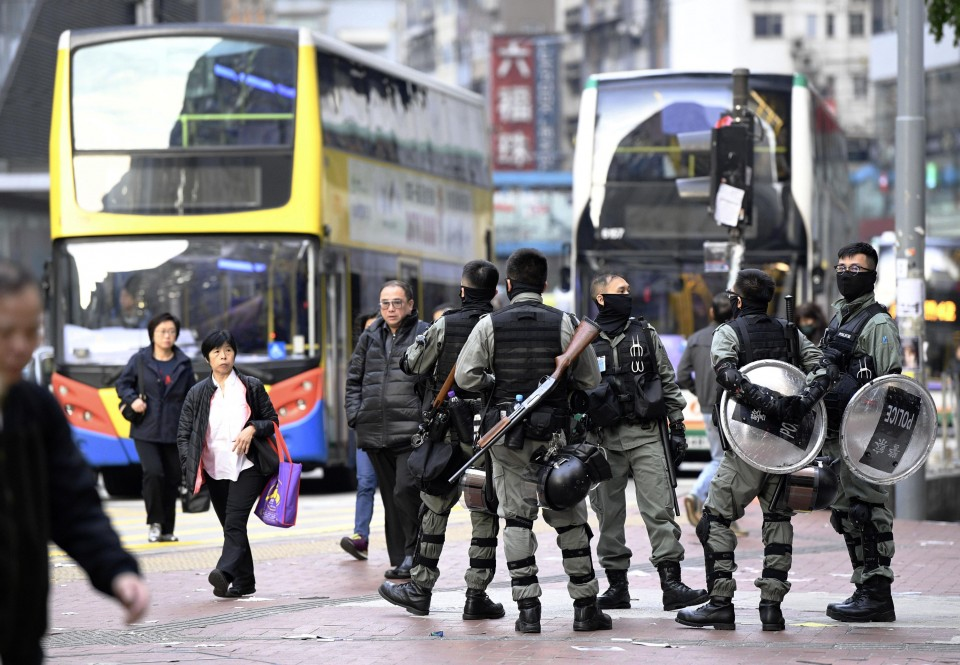 Hong Kong to quarantine all people entering the city from Thursday