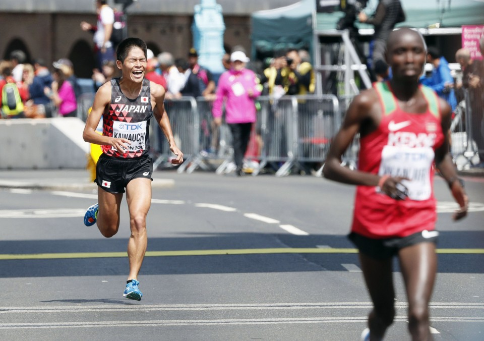 Desi Linden wins rainy Boston Marathon, ends 33-year American title drought