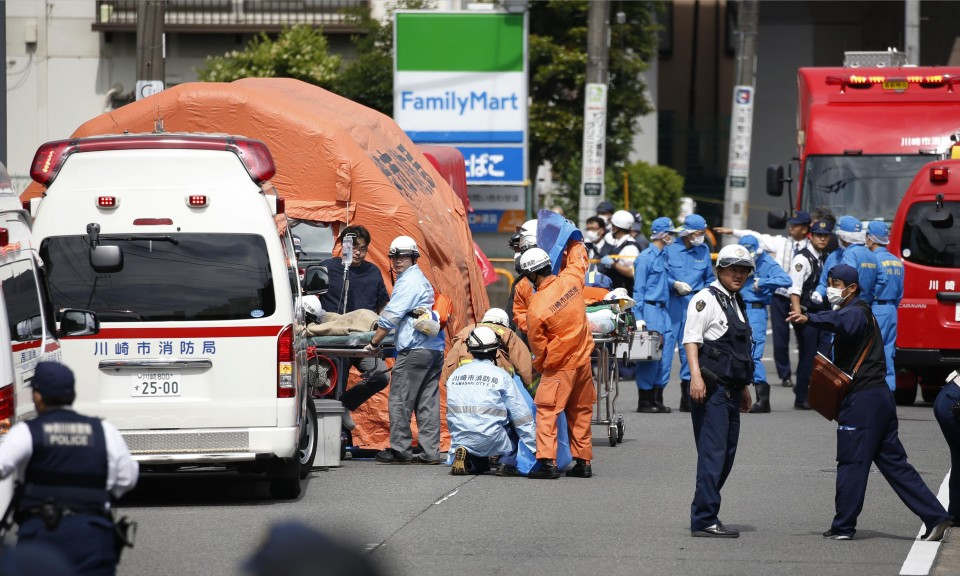 2 dead as man stabs 16 schoolgirls, 2 adults in rampage near Tokyo