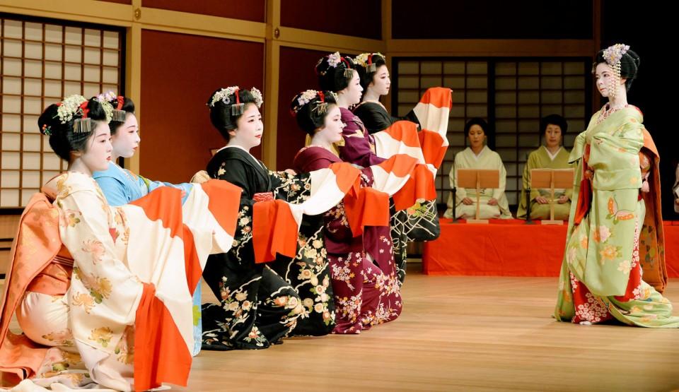 лакомству японский танец в картинках хотите учиться, никто