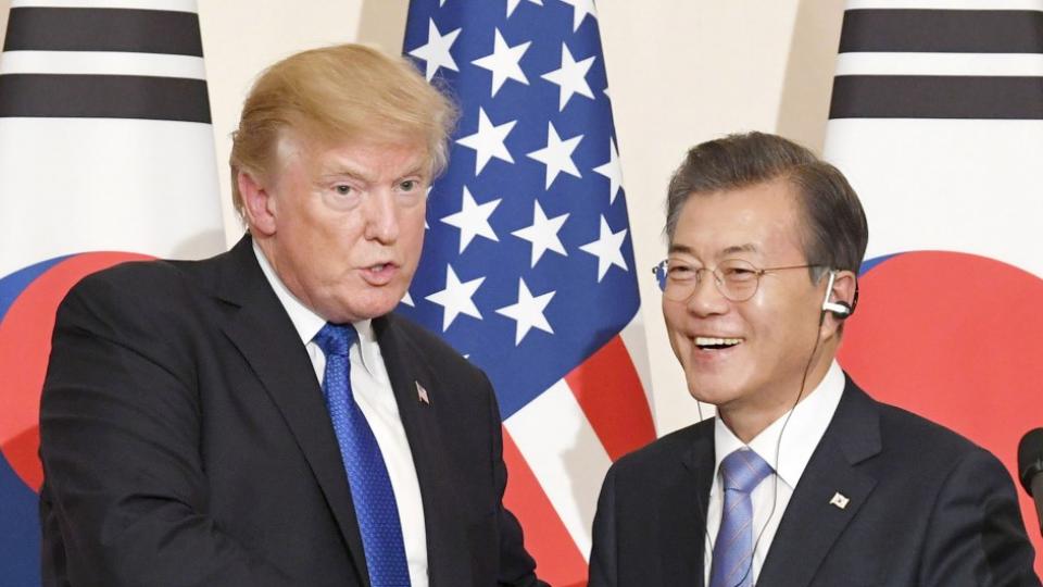 Trump, Moon discuss dialogue with N.Korea